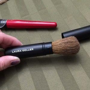 Smashbox Makeup - Smashbox powder brush #1 & Laura Geller travel